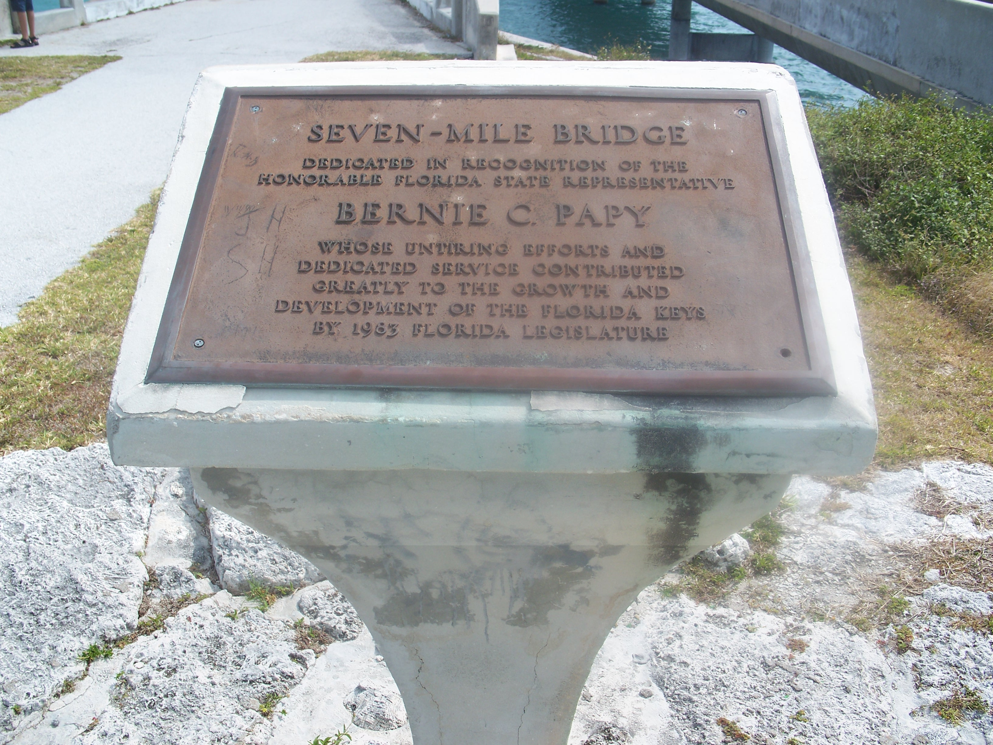 Description little duck key fl 7 mile bridge plaque01