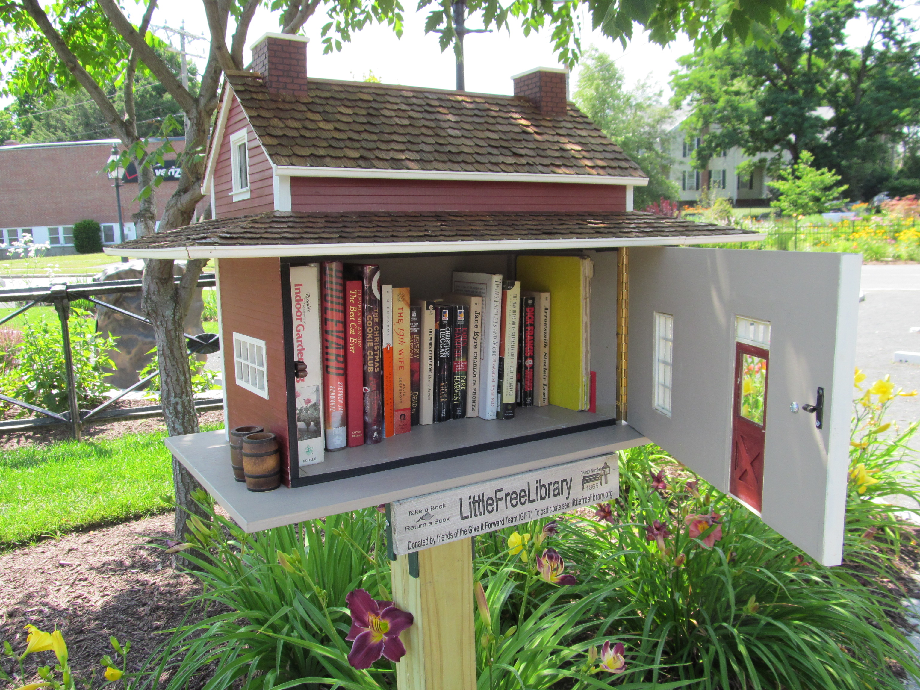 Project Update  The Little Free Library Where woodworking and reading HvauUM05
