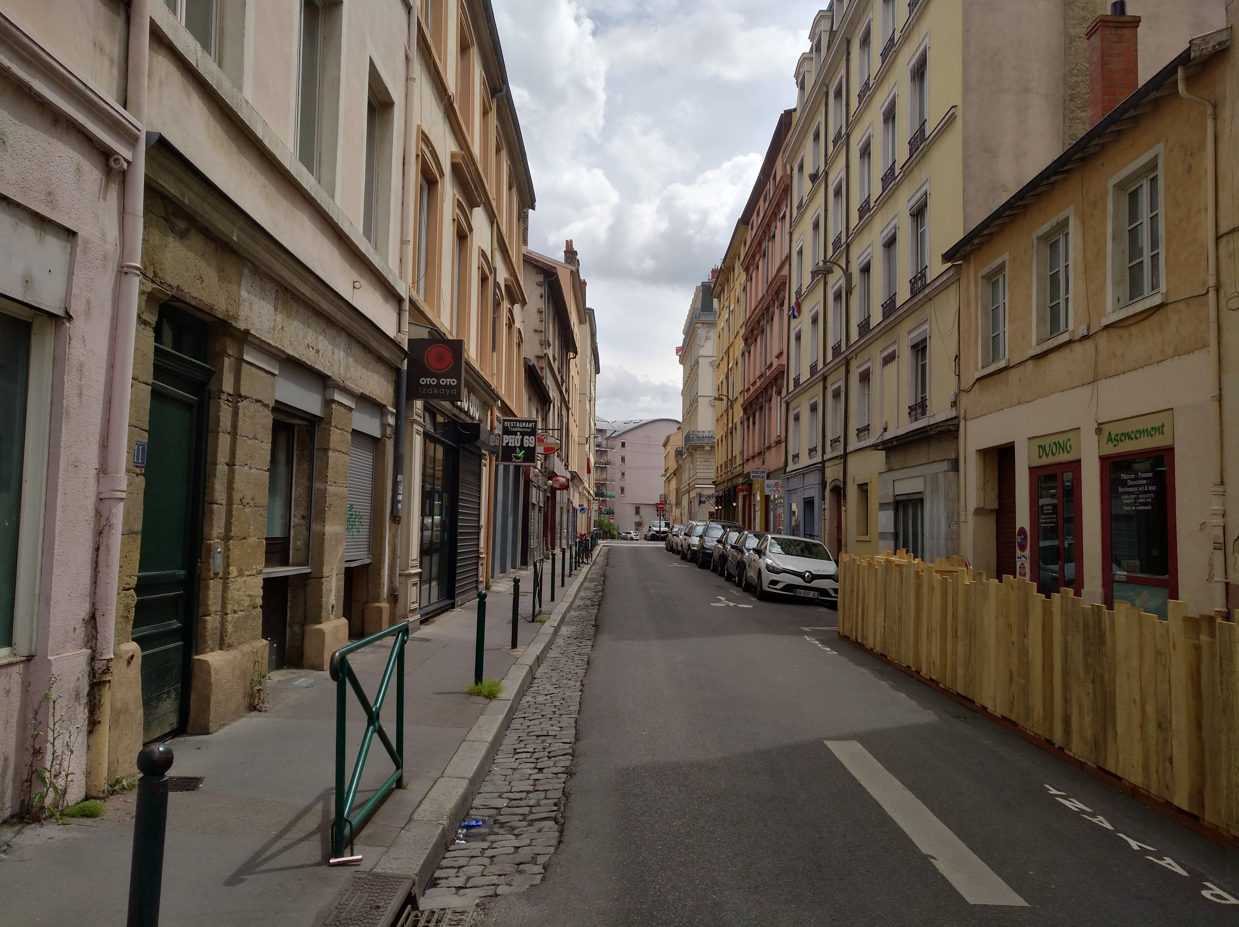 Revetement De Sol Original file:lyon 7e - rue d'aguesseau direction est (mai 2019)