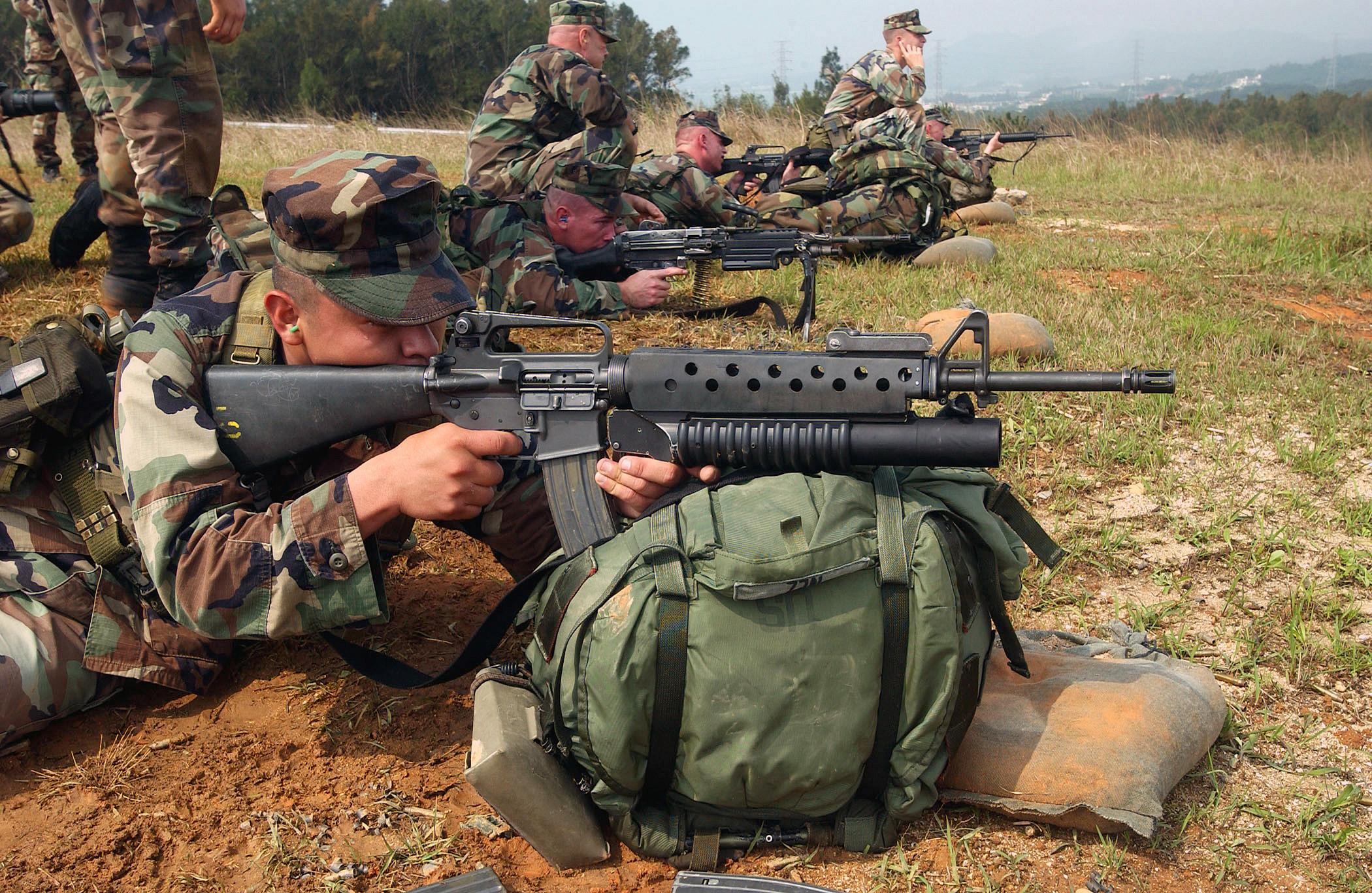 File:M16A2 M203.JPEG - Wikimedia Commons
