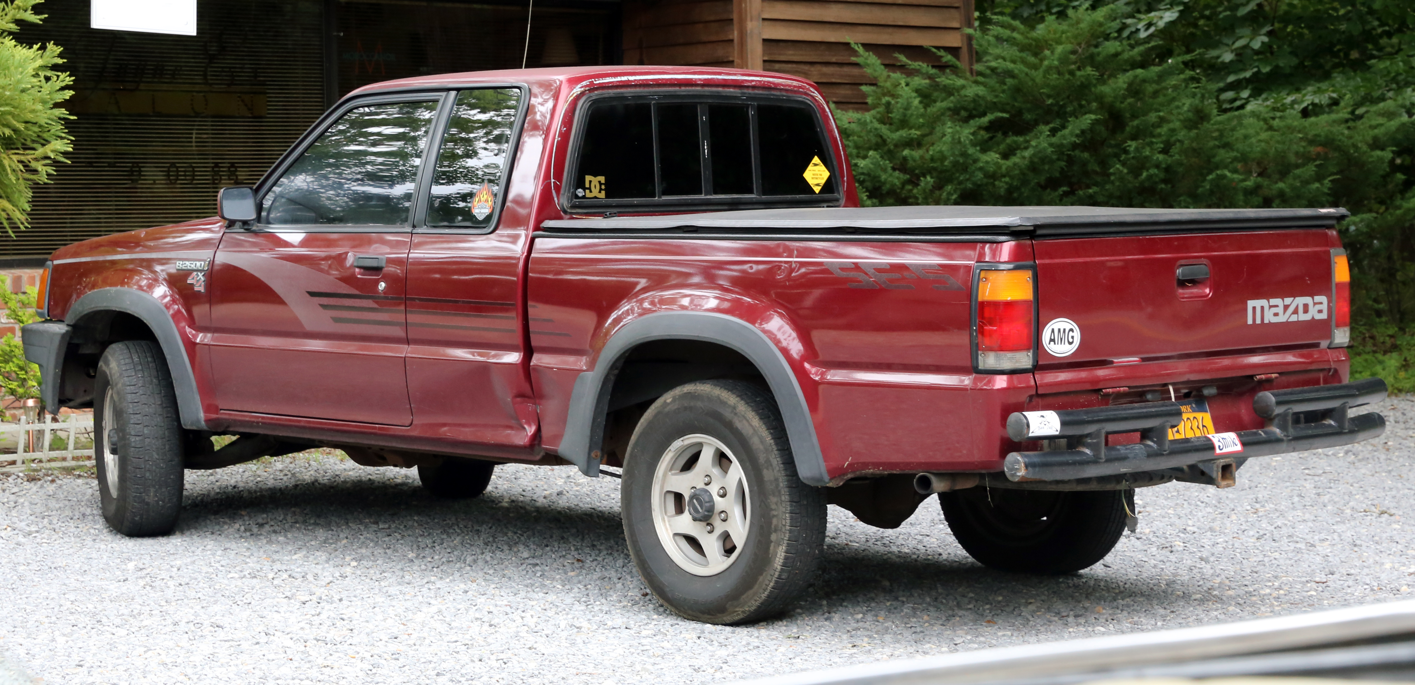 File:Mazda B2600 i SE-5 4x4 extended cab.jpg - Wikimedia Commons