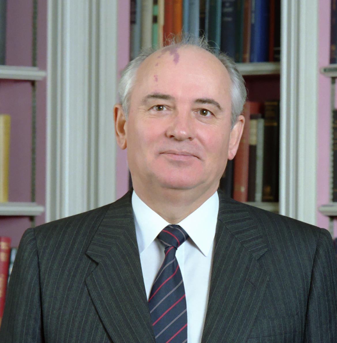 Mikhail Gorbachev 1987.jpg