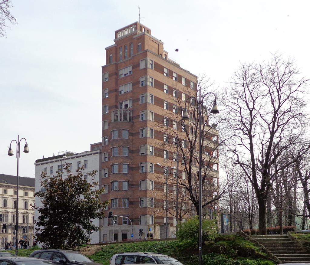 Palazzo e torre rasini wikipedia for Piani di casa torre