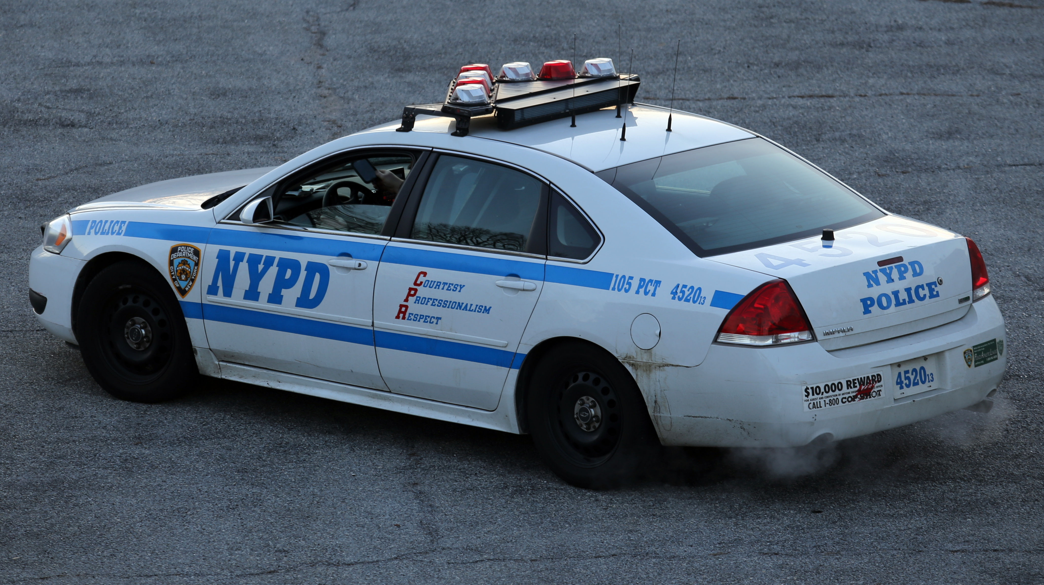 File Nypd Chevrolet Impala Of The 105th Pct Rear Jpg