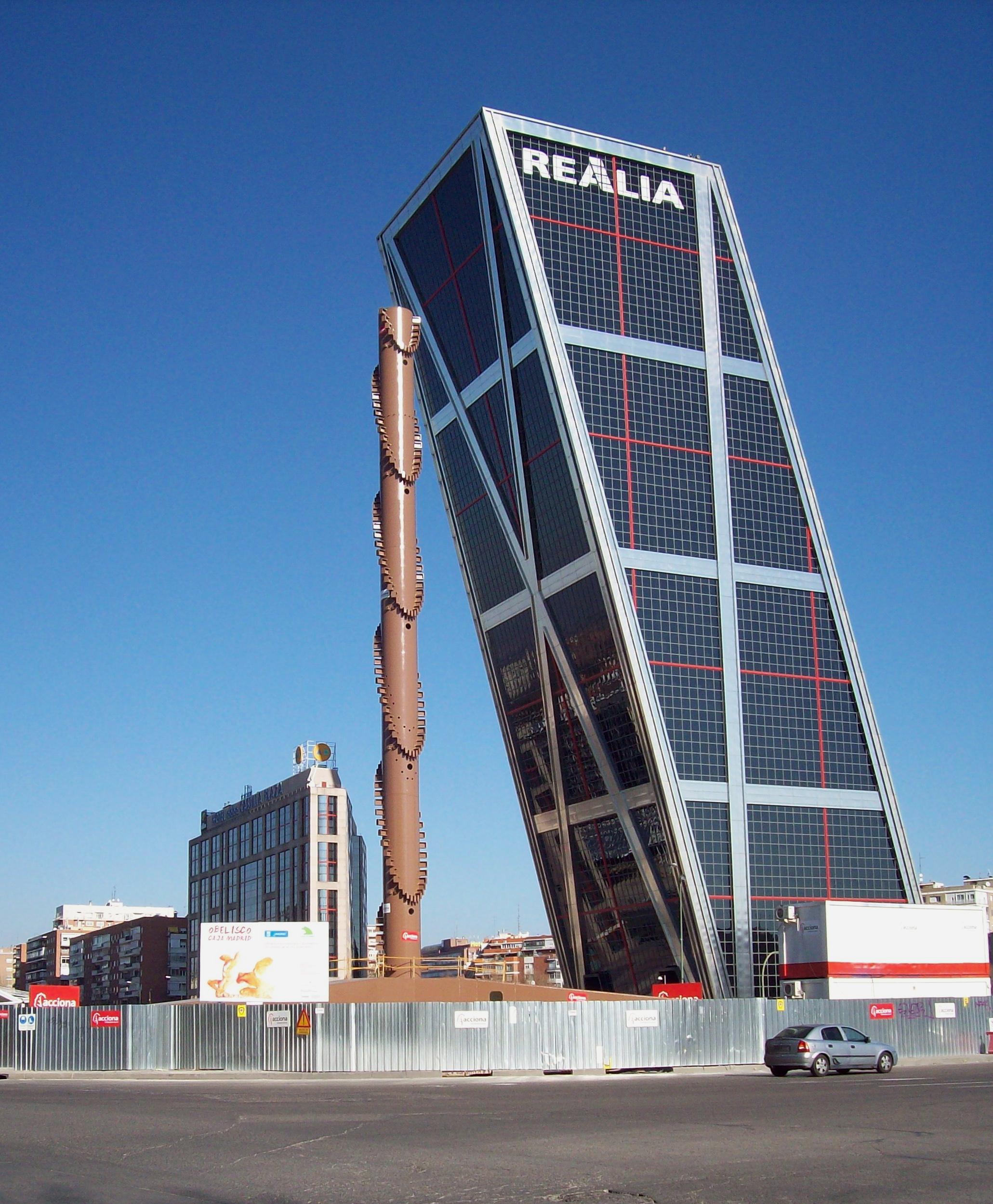 Moderna arhitektura Obelisco_de_la_Caja_(Santiago_Calatrava,_Madrid)_01