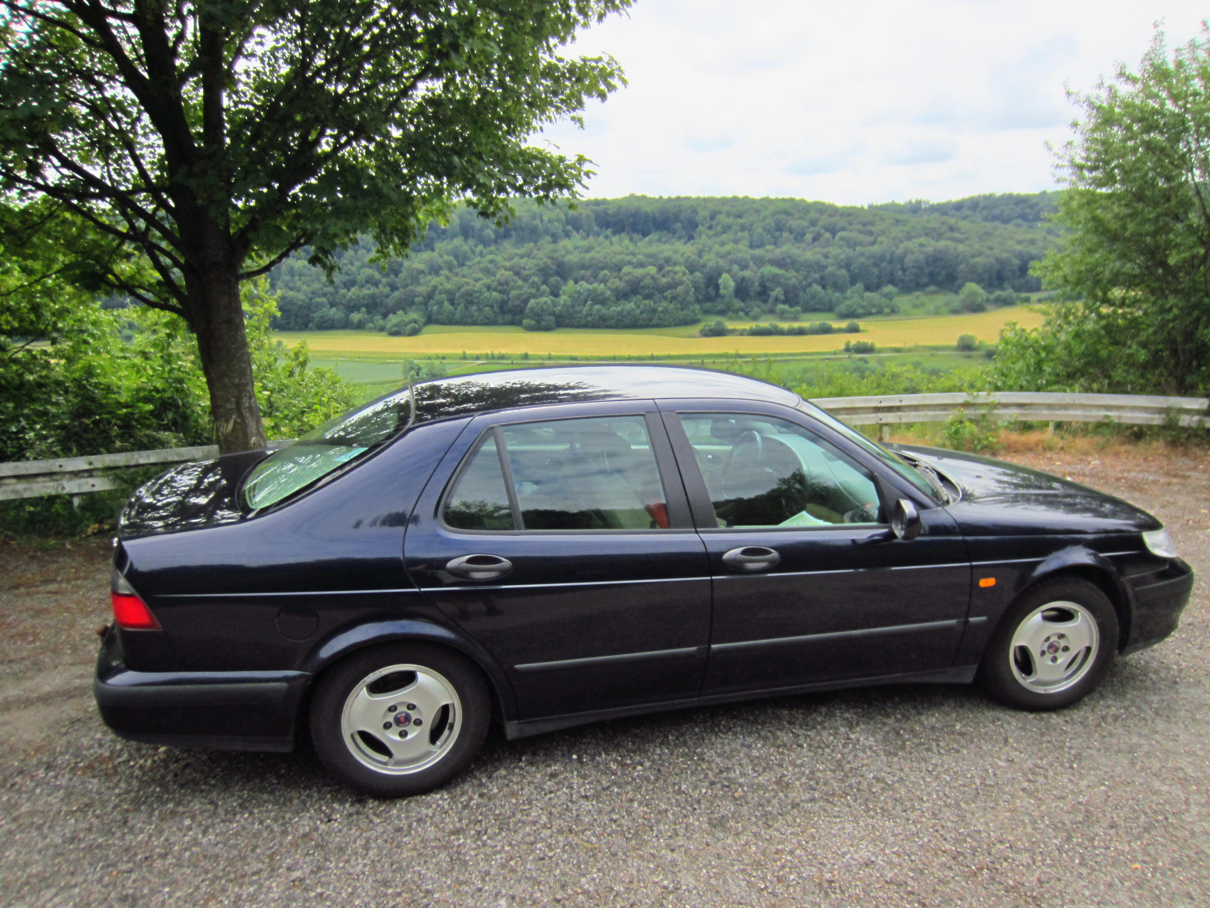 File:Saab 9-5 2 0t sedan MY2000 13 JPG - Wikimedia Commons