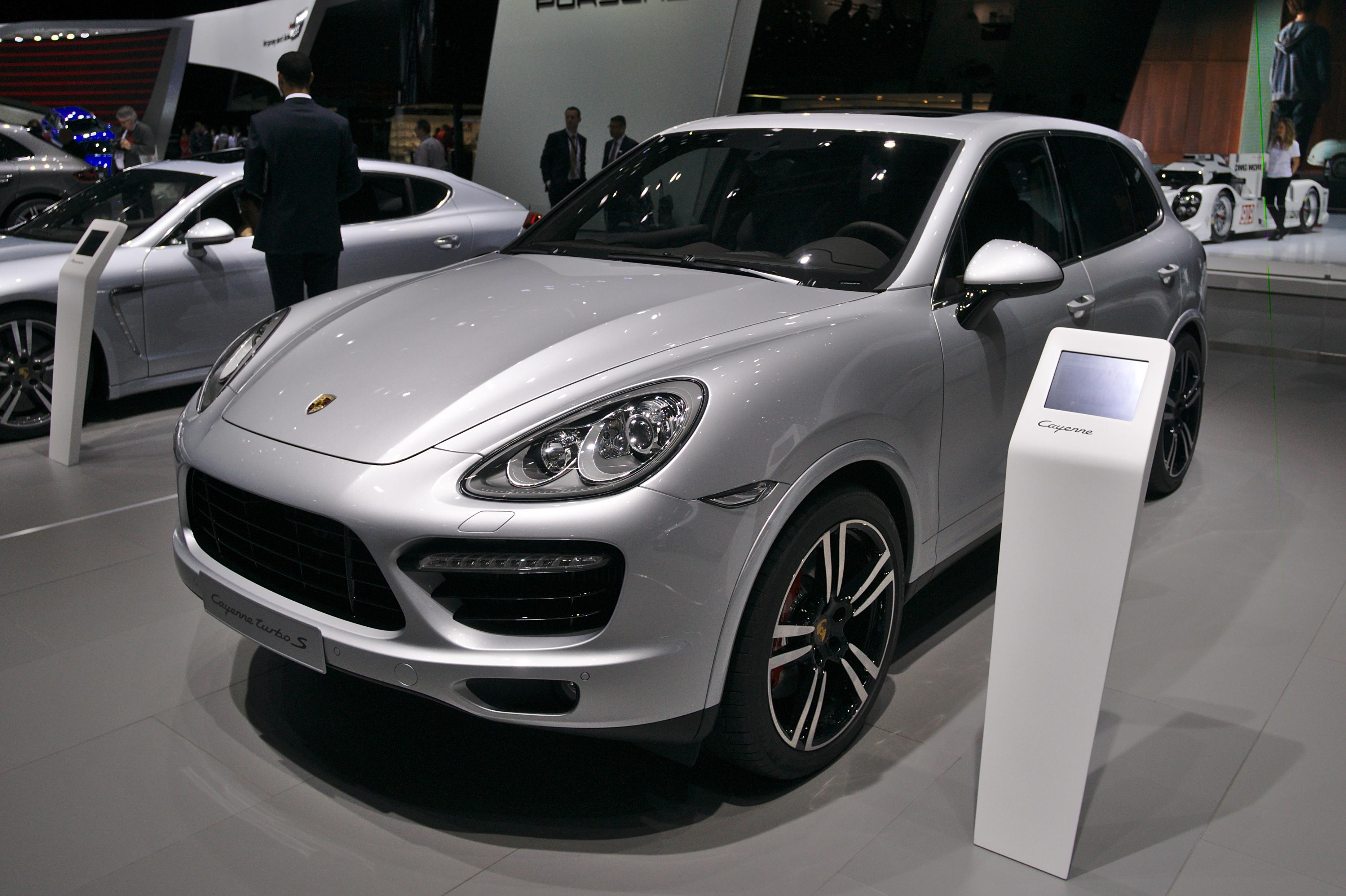 Porsche cayenne foto salon