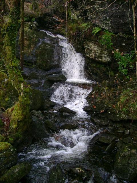 File Small Waterfall Wikimedia Commons