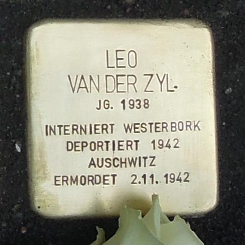 Stolperstein für Leo van der Zyl