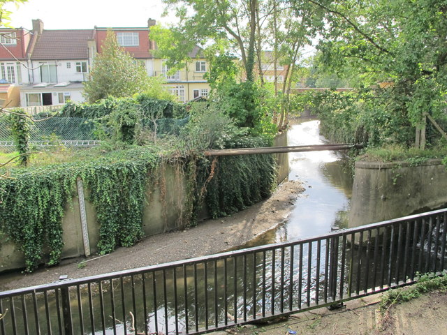 The confluence of Pymme's Brook and Bounds Green Brook