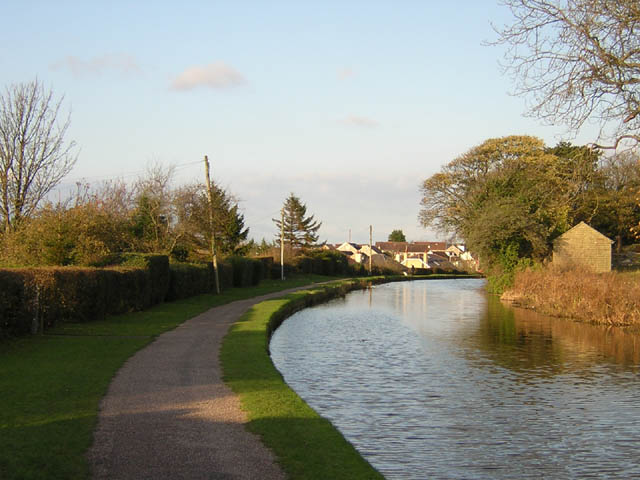 Towpath at Bolton-le-Sands - geograph.org.uk - 299135