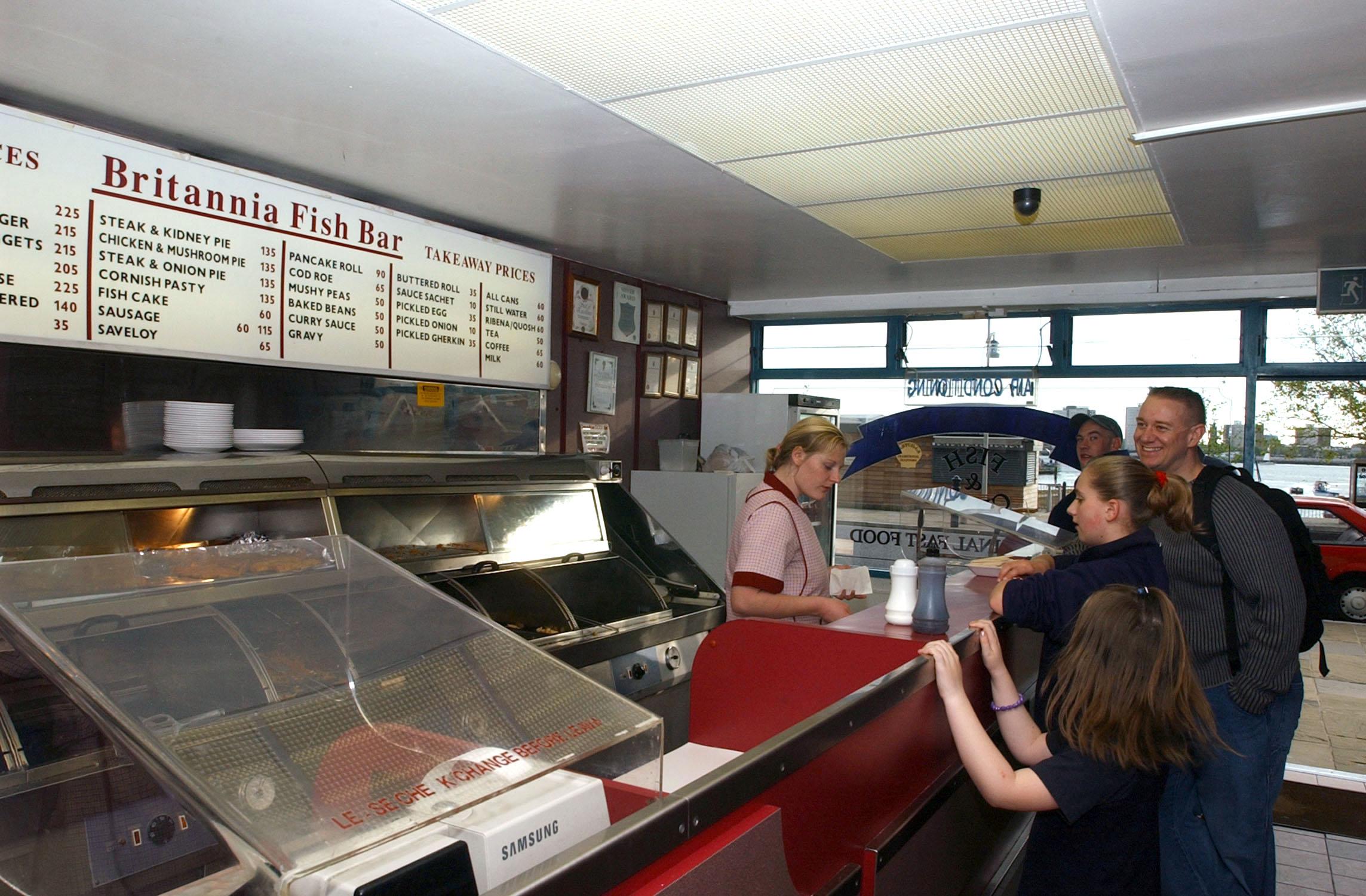File us navy 030507 n 4953e 051 photographer 39 s mate 1st for Fish chips restaurant