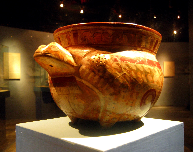 Archivo vasija de rana museo del templo for Que significa contemporaneo wikipedia