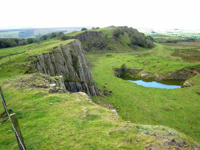 Walltown Crags - geograph.org.uk - 536650