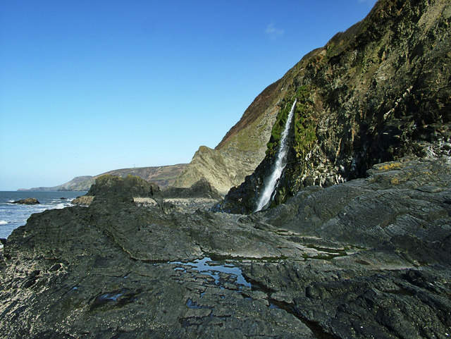 Waterfall on Tresaith Beach - geograph.org.uk - 1535125