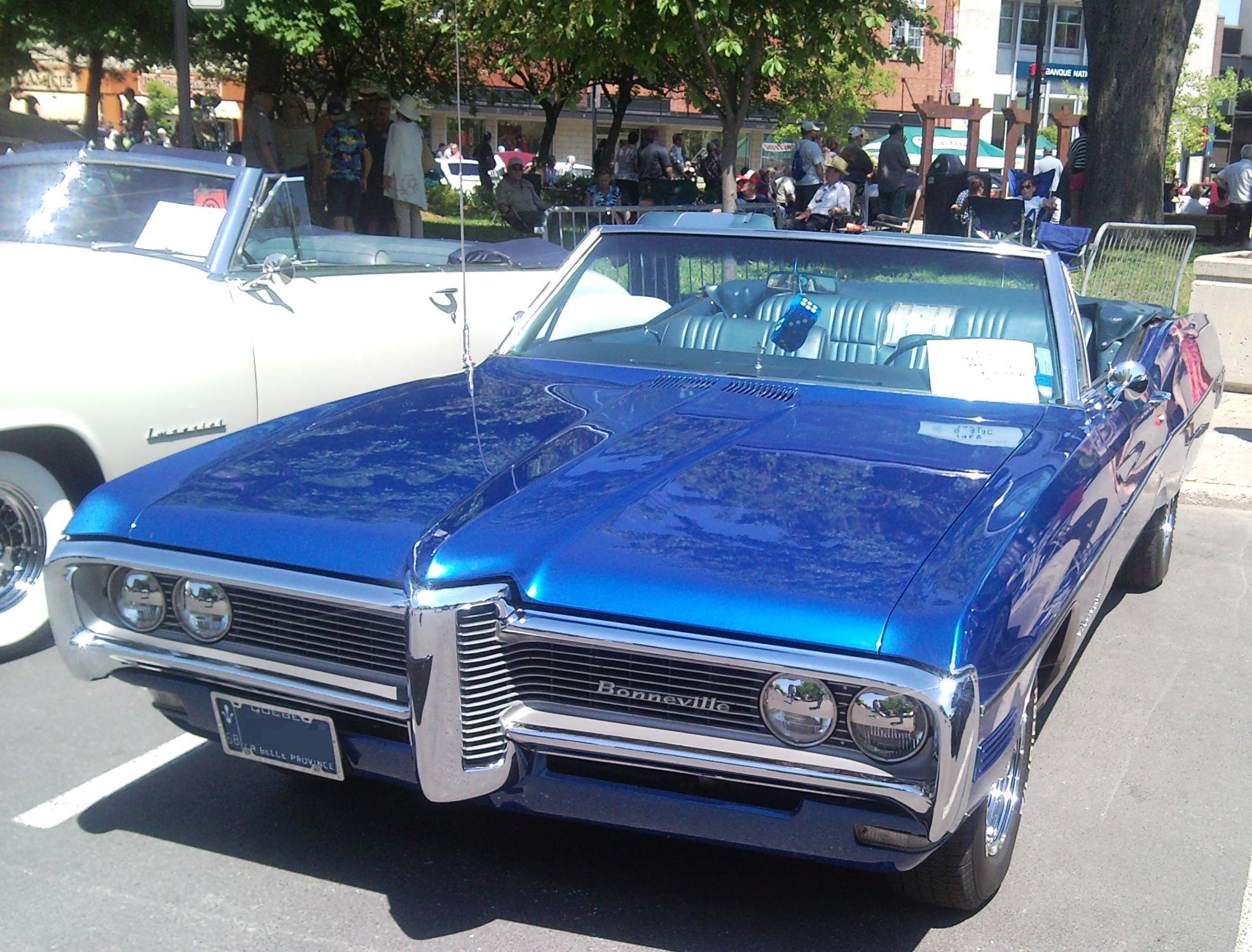 File68 Pontiac Bonneville Convertible Auto Classique St Lambert
