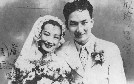 File:周璇与严华结婚照(1938年).jpg - Wikimedia Commons