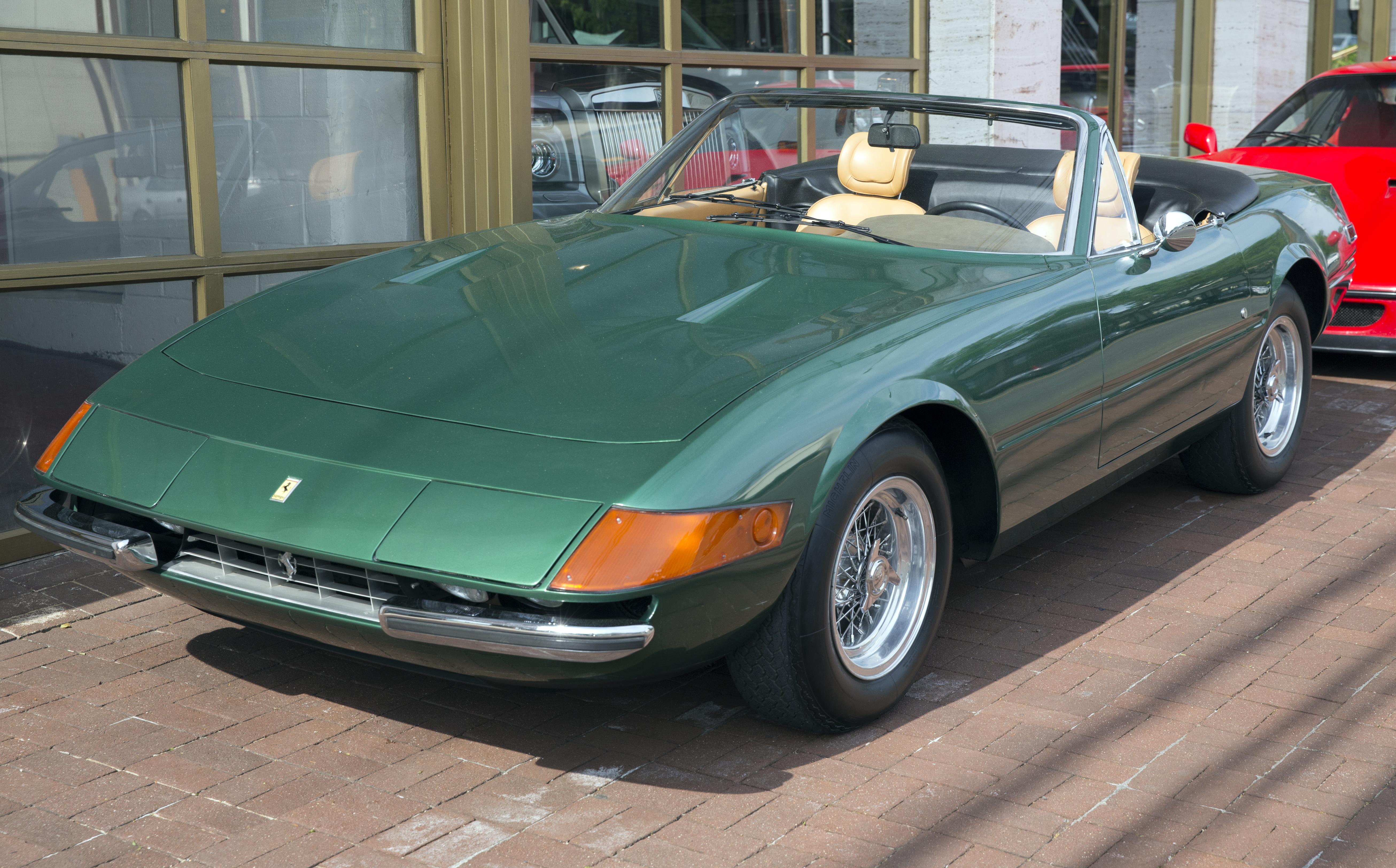 Datei 1973 Ferrari Daytona Spyder Verde Pino Front Left Jpg Wikipedia