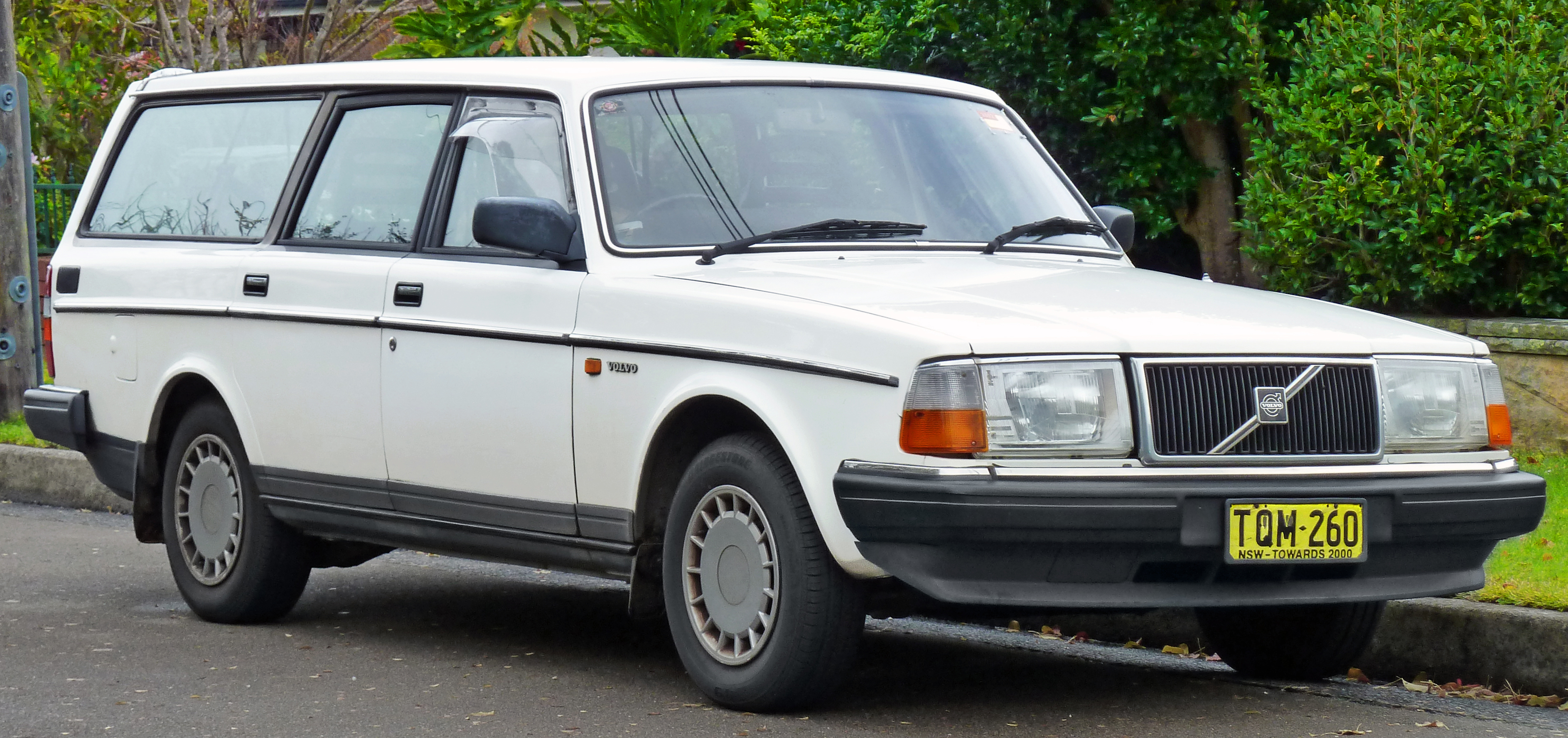 89 Volvo 240 Wagon 1991 Black Amp Tan Volvo 240 Pictures to pin on ...