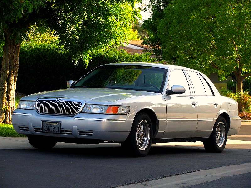 1998 mercury grand marquis gs sedan 4 6l v8 auto rh carspecs us Mercury Grand Marquis Wheels 1998 Mercury Grand Marquis MPG
