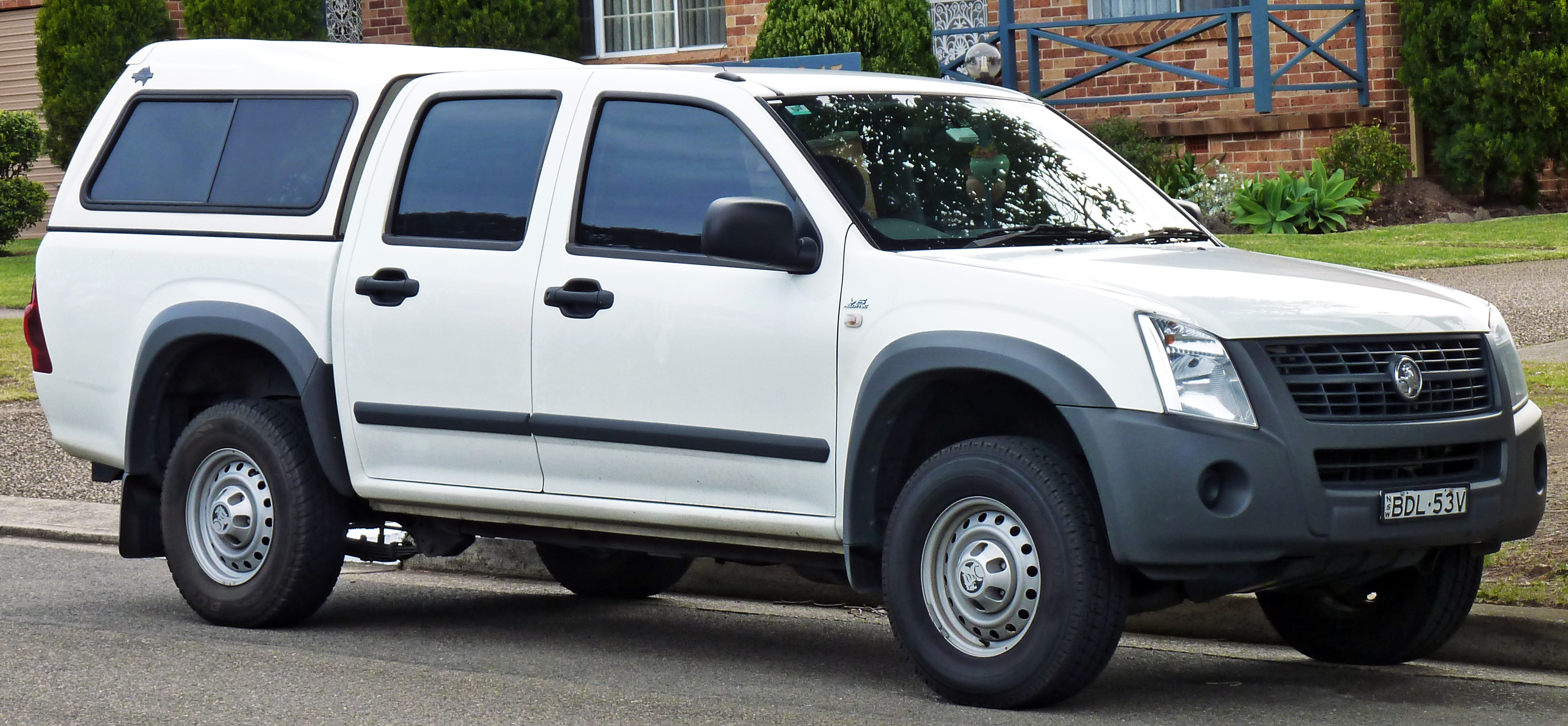 File:2007-2008 Holden RA Rodeo LX Crew Cab 4-door utility 01