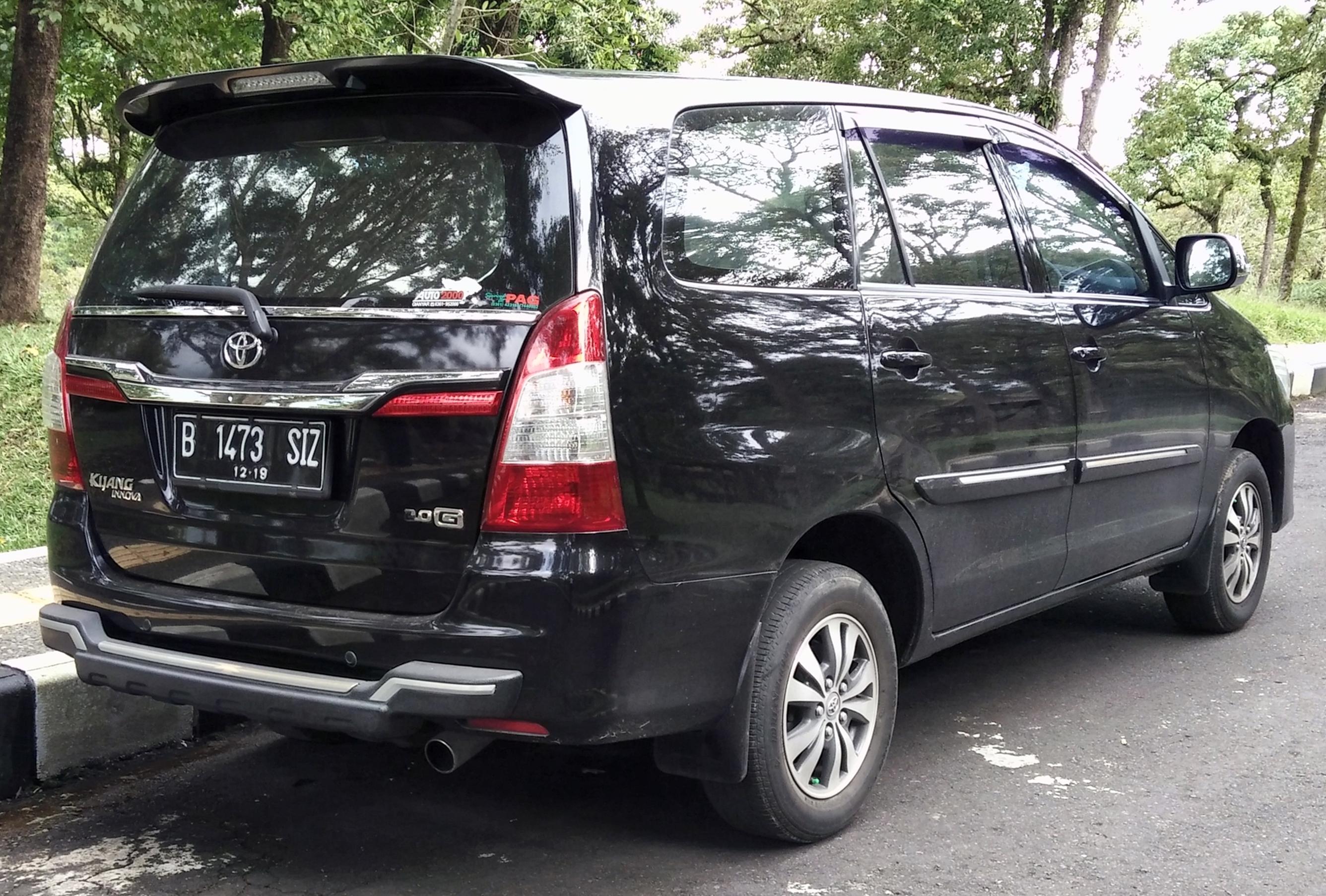 File:2014 Toyota Kijang Innova 2.0 G (rear), Candikuning