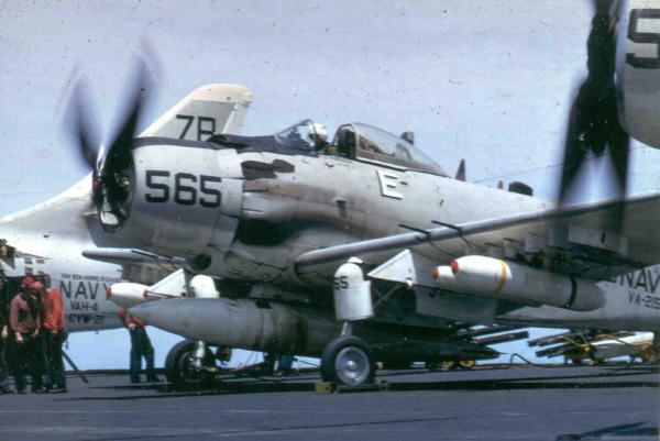 A-1H_VA-215_CVA-31_1967.jpg