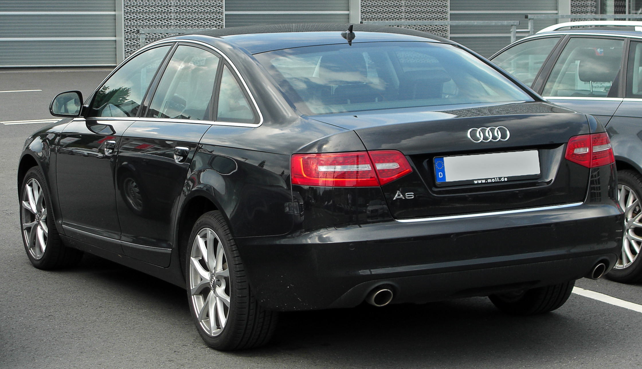 Audi A4 specs dimensions facts amp figures  Parkers