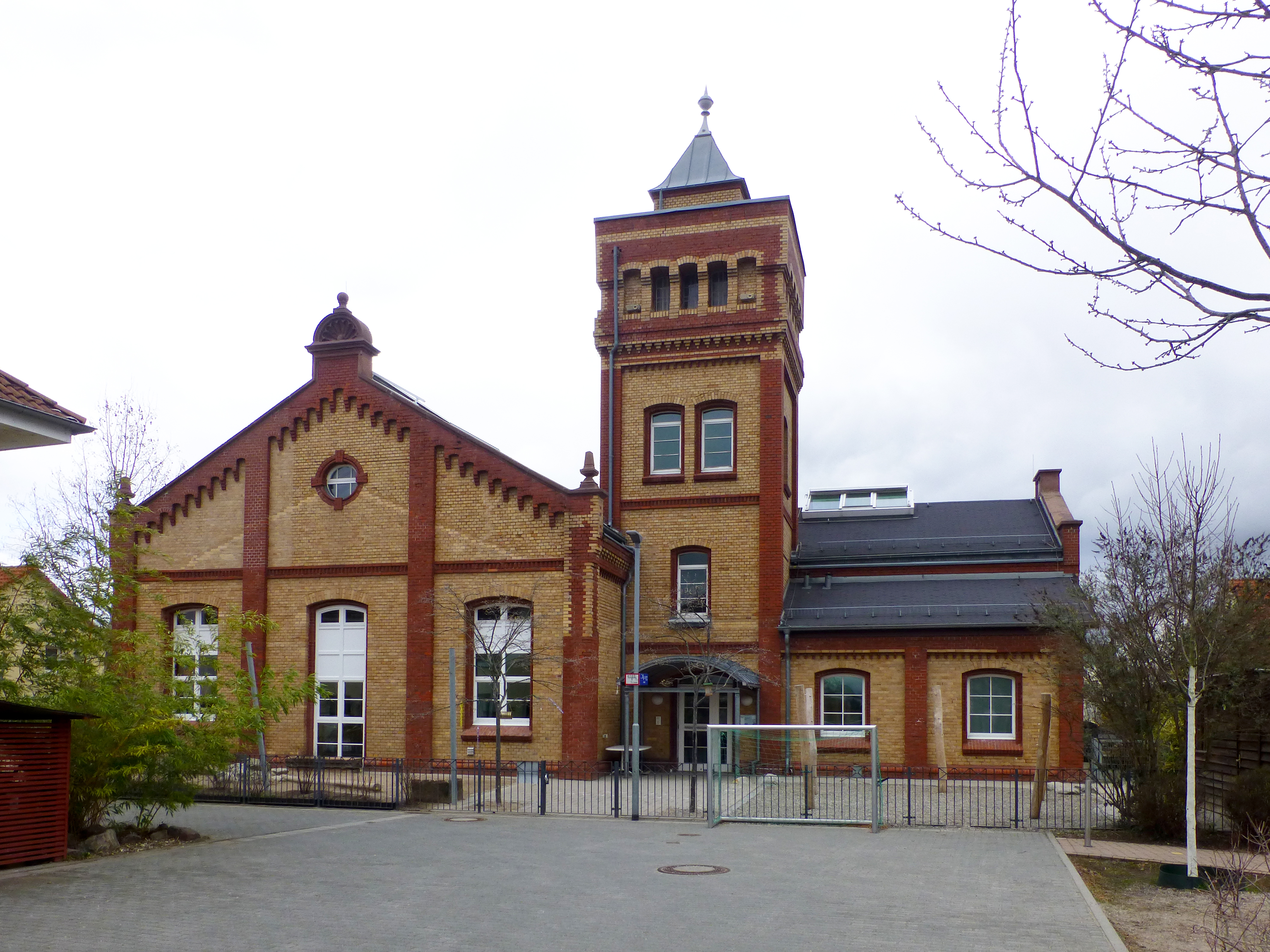 File:Bensheim-Auerbach, Ehemaliges Elektrizitätswerk-01.jpg