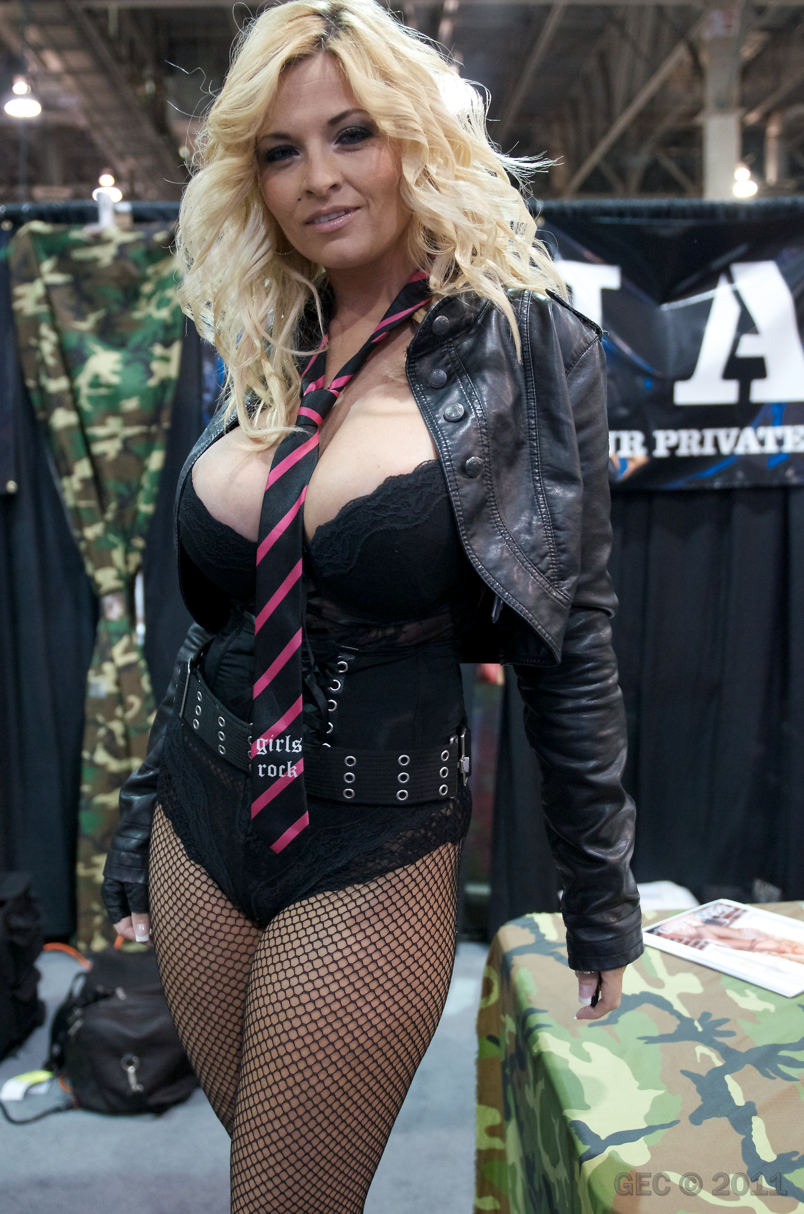 Filebobbi Eden Avn 2011 1 Jpg