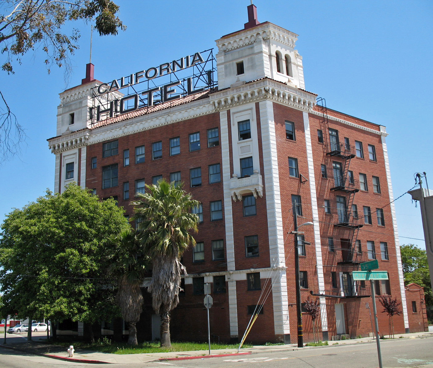 File california hotel oakland ca jpg wikimedia commons for Hotel california