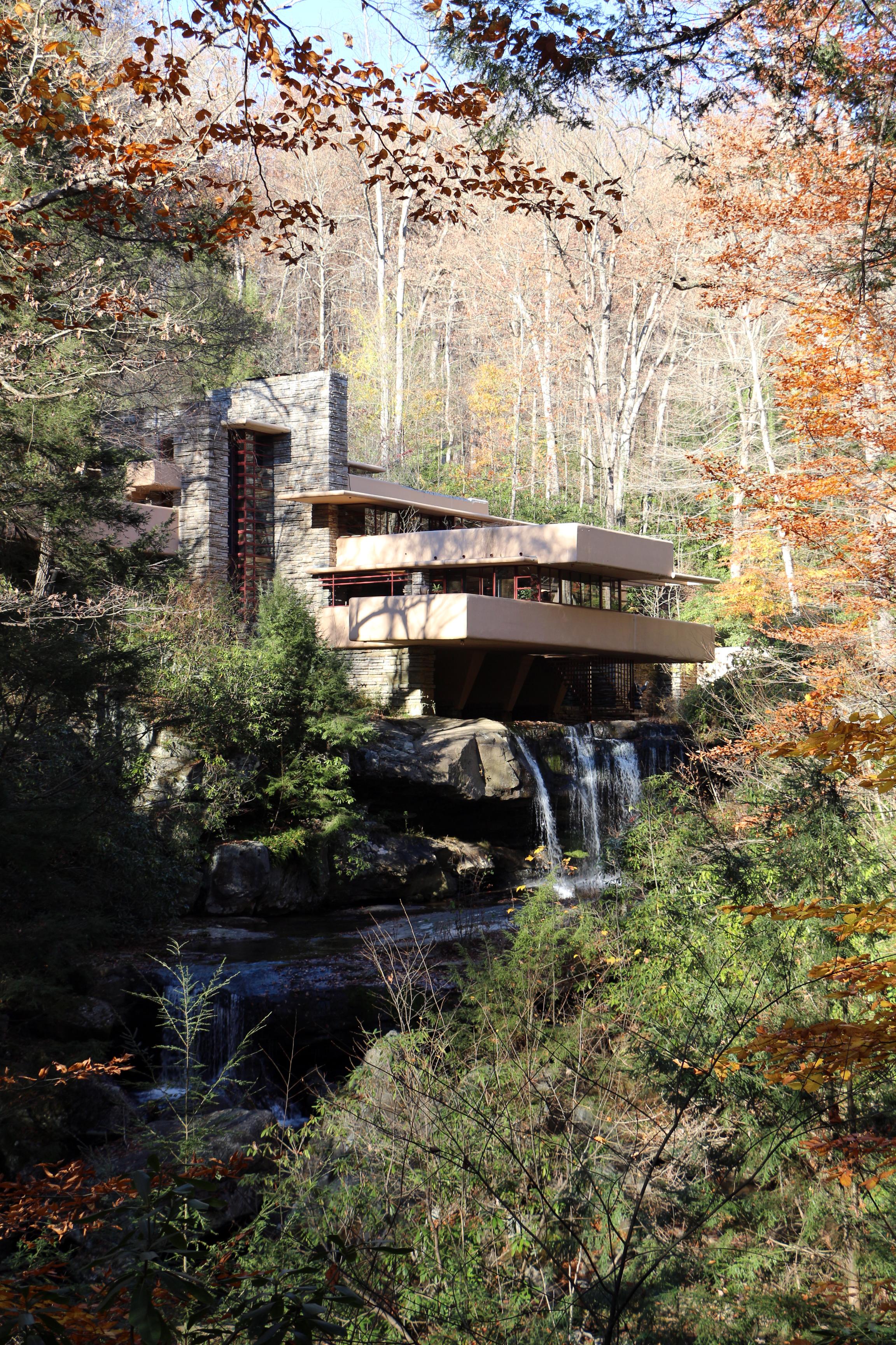 File casa sulla cascata di frank lloyd wright for Wright la casa sulla cascata