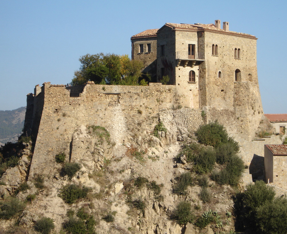 Castello-di-Valsinni.jpg