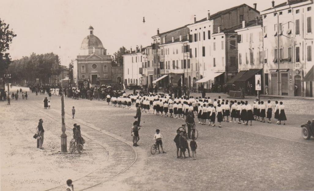 FileCorteo Funebre A Mirandola 1934 4