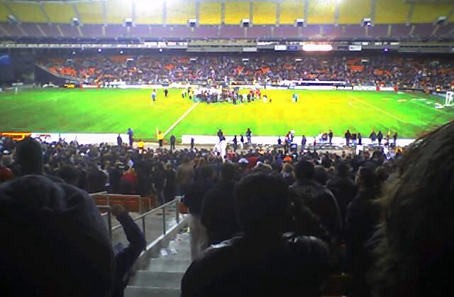 DC United post-game victory celebration (RFK Memorial Stadium, 06-11-2004).jpg