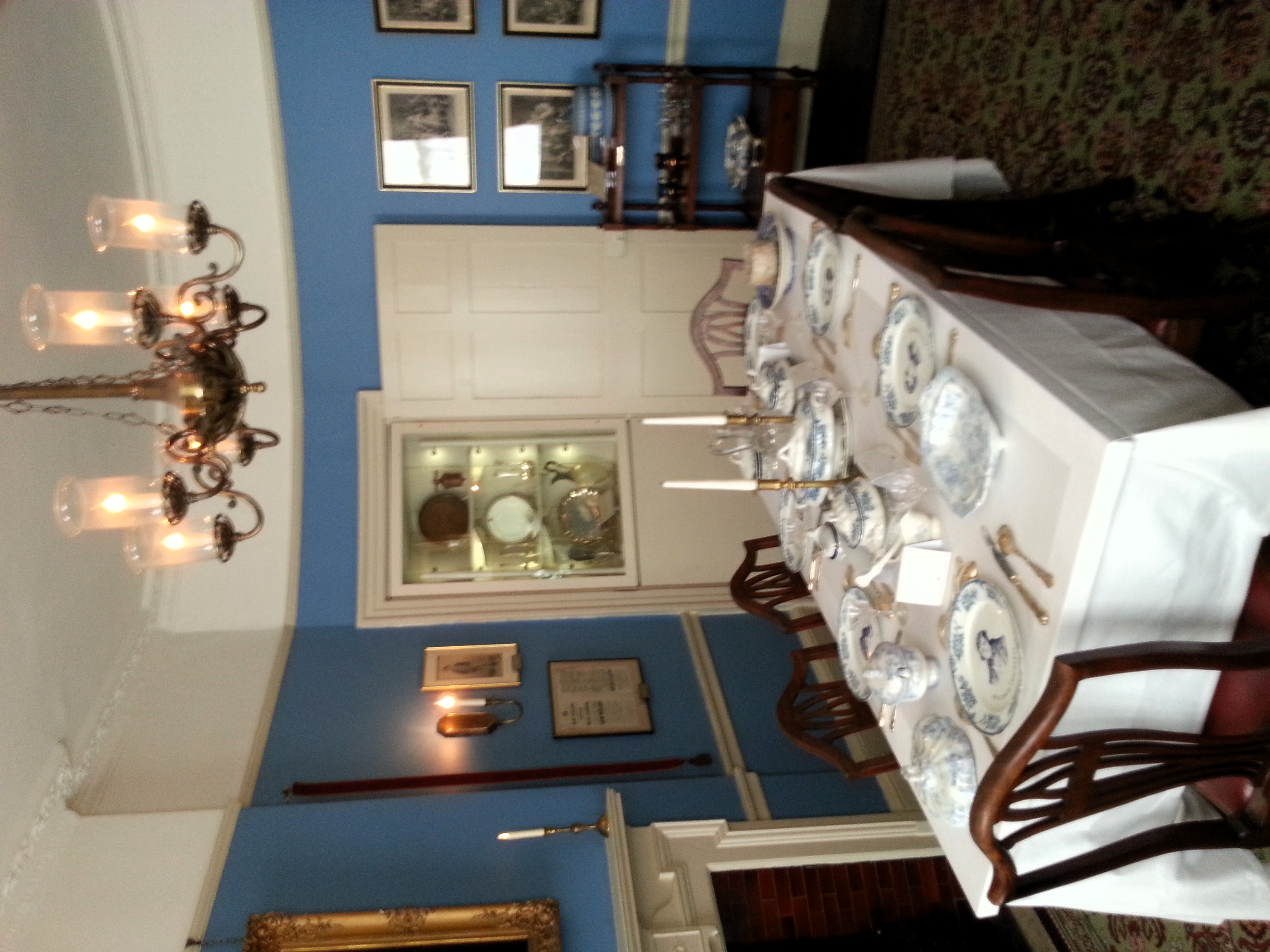 Dickens Dining Room At Christmas