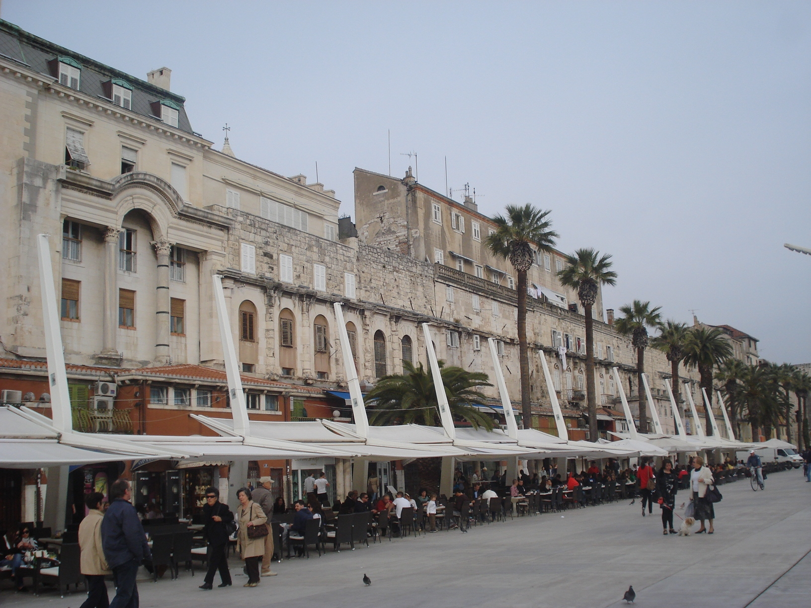 Datei:Dioklecijanova palača, Split - jugozapad.JPG - Wikipedia