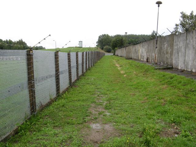 Elektrifizierter Zaun - Quelle: Wikimedia Commons