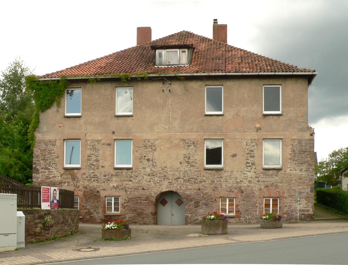 Fassade frontal  Datei:Fürstenberg Altes Brennhaus Fassade frontal.jpg – Wikipedia