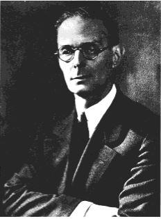 https://upload.wikimedia.org/wikipedia/commons/d/df/Ferruccio_Vitale.jpg