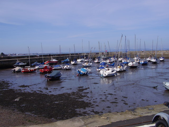 Fisherrow Harbour at Musselburgh. - geograph.org.uk - 975638
