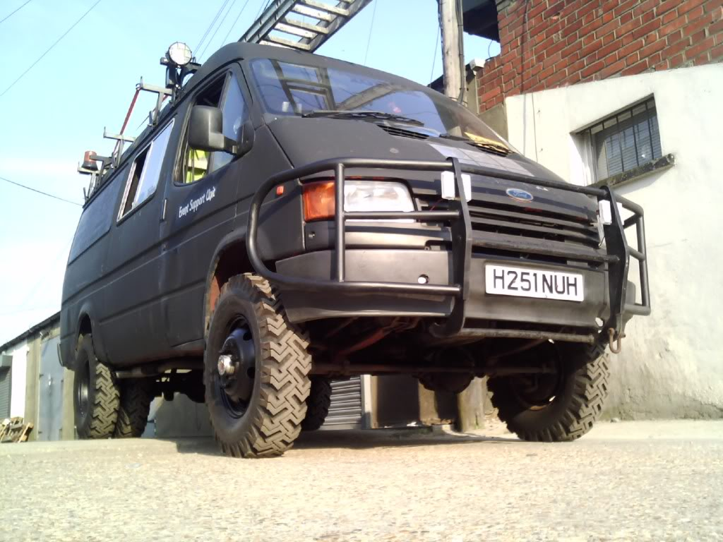 File Ford Transit County 4x4 Jpg Wikimedia Commons