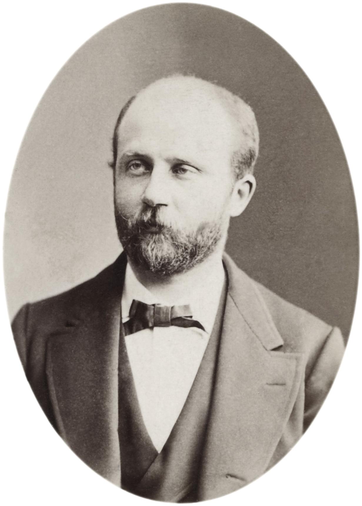 http://upload.wikimedia.org/wikipedia/commons/d/df/Gaston_Maspero_Reutlinger_BNF_Gallica.jpg