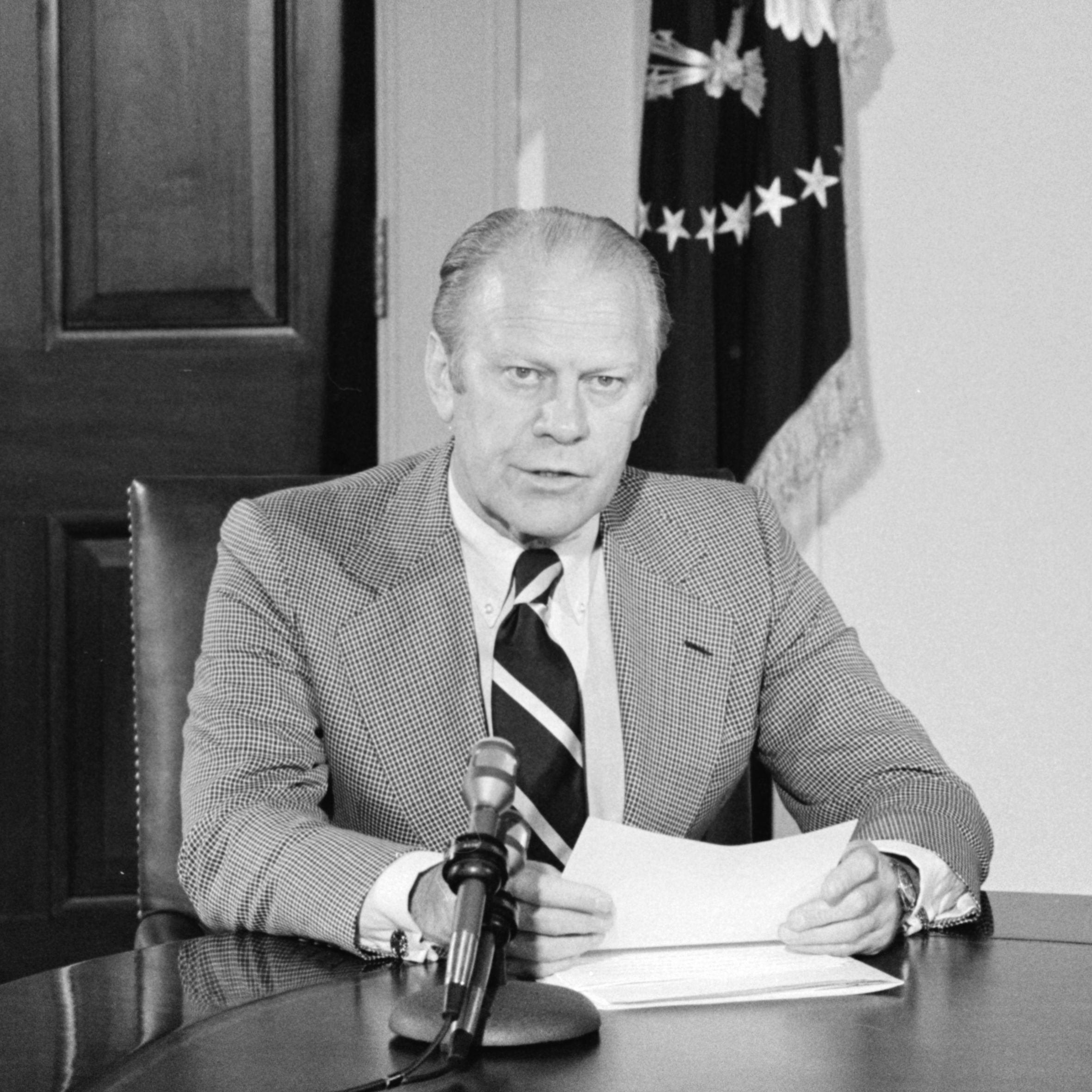 president gerald ford Gerald r ford was thrust into the presidency in 1974 in the wake of the watergate scandal, but lost his own bid for election after pardoning president richard m nixon.
