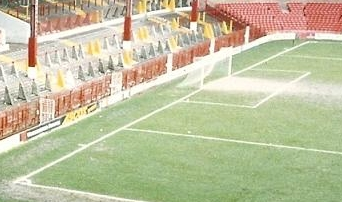 The goal line at the Stretford End of Old Trafford in Manchester (1992) Goal line at Old Trafford 1992.JPG