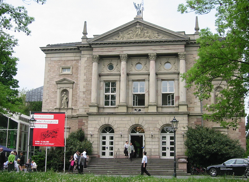 File:Goettingen Deutsches Theater 2002.jpg