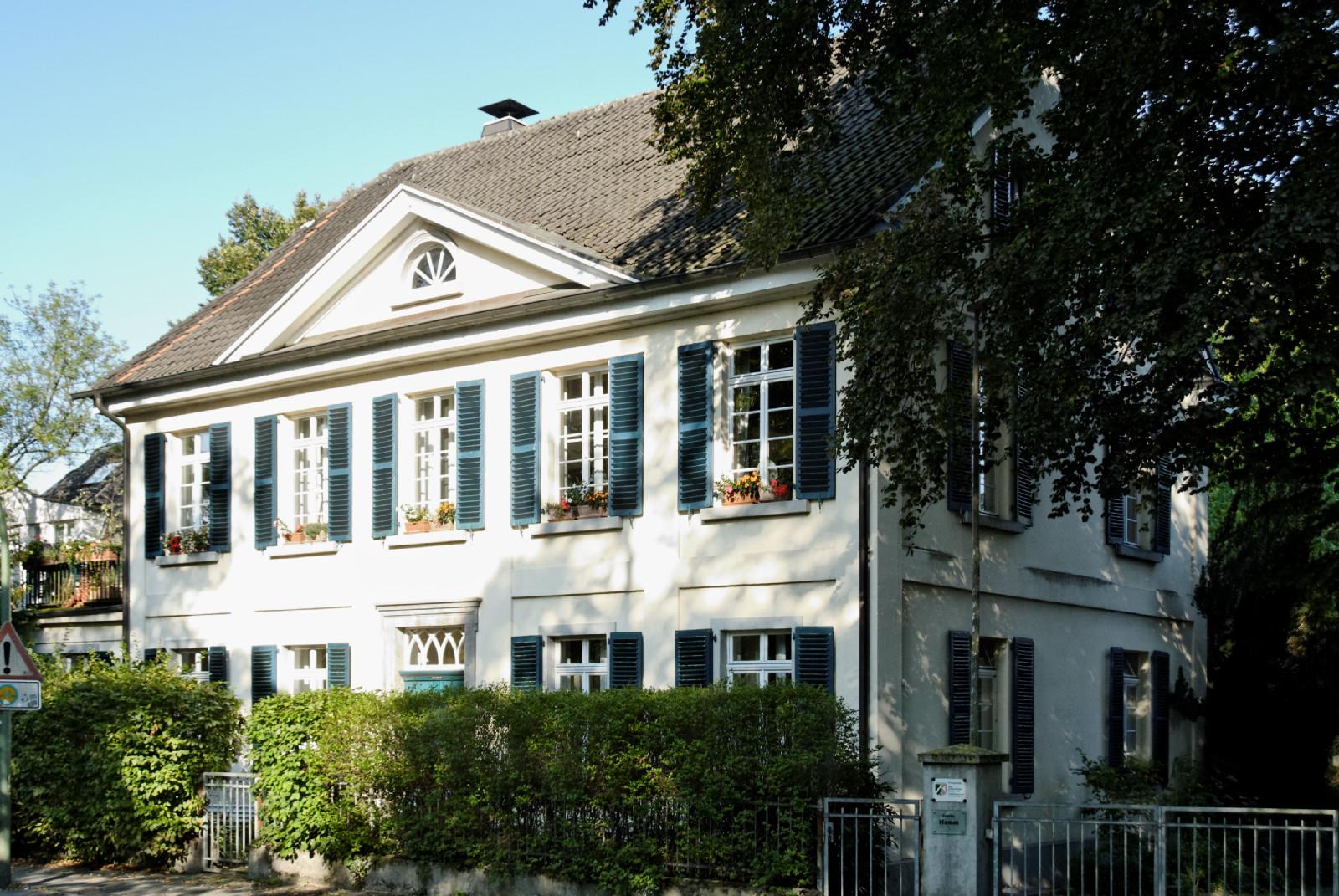 file haus urdenbacher allee 25 in duesseldorf benrath von wikimedia commons. Black Bedroom Furniture Sets. Home Design Ideas