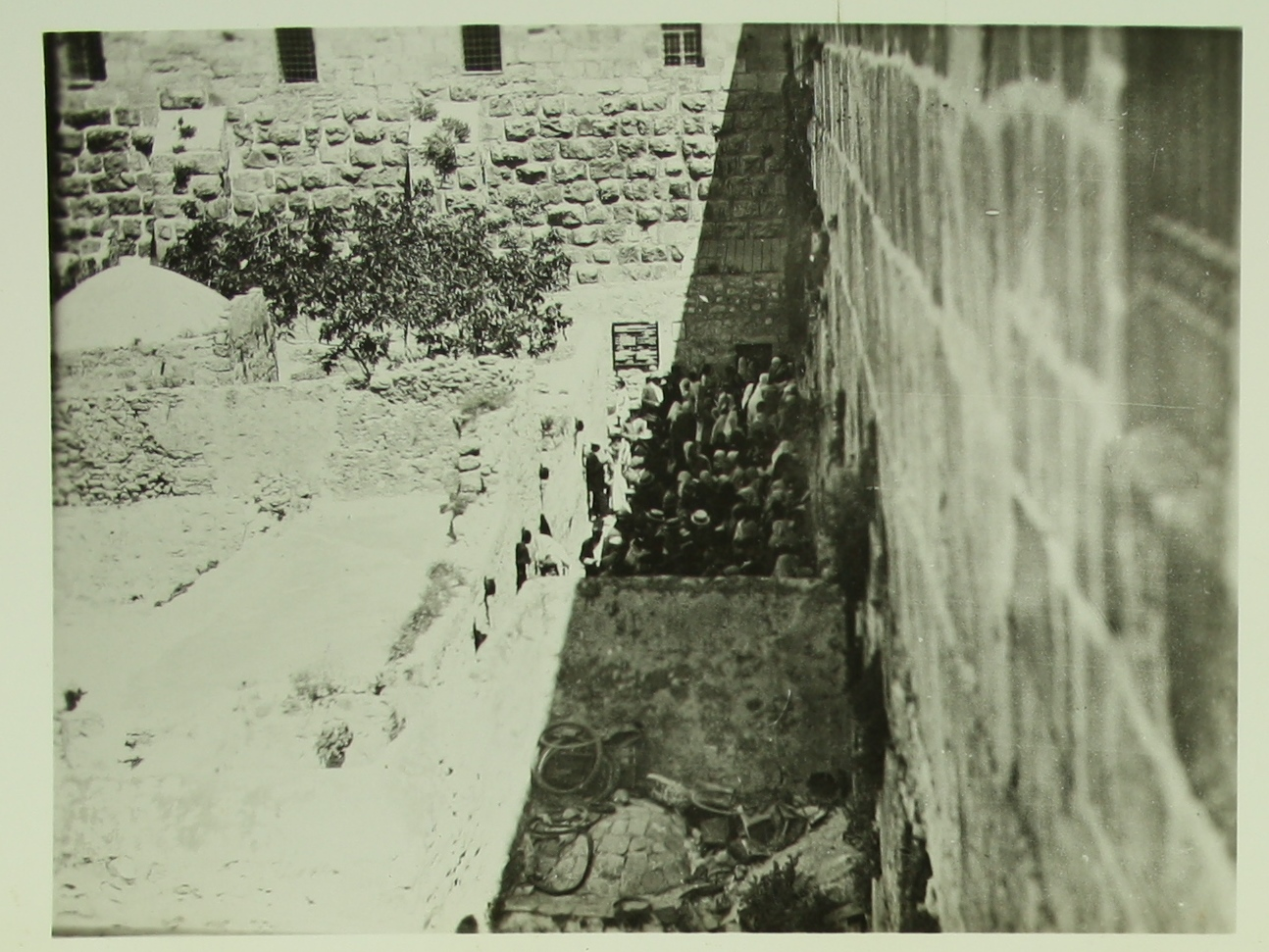 Historical images of the Western Wall - 1920 C SR 016.JPG