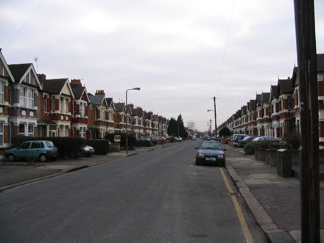 Description Ilford street scene - geograph.org.uk - 117093.jpg