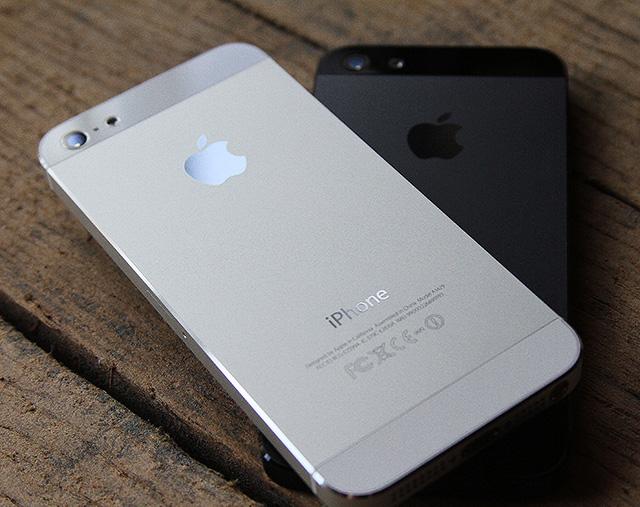 iphone5的外殼就使用了CNC銑床加工